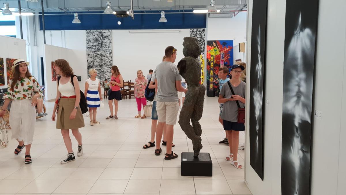 Turisti Russi al museo Arte On di Vittorio Amadio